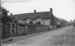 Victorian Fountain, thatched cottages in High Street circa 1900