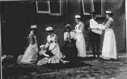 W.W.1 first aid volunteers circa 1914