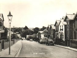 Looking down the High Street circa 1950s