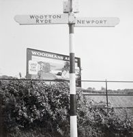 Wootton Common cross-roads [Roland Richards]