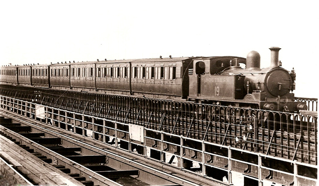 Picture of Ryde Pier Steam Train